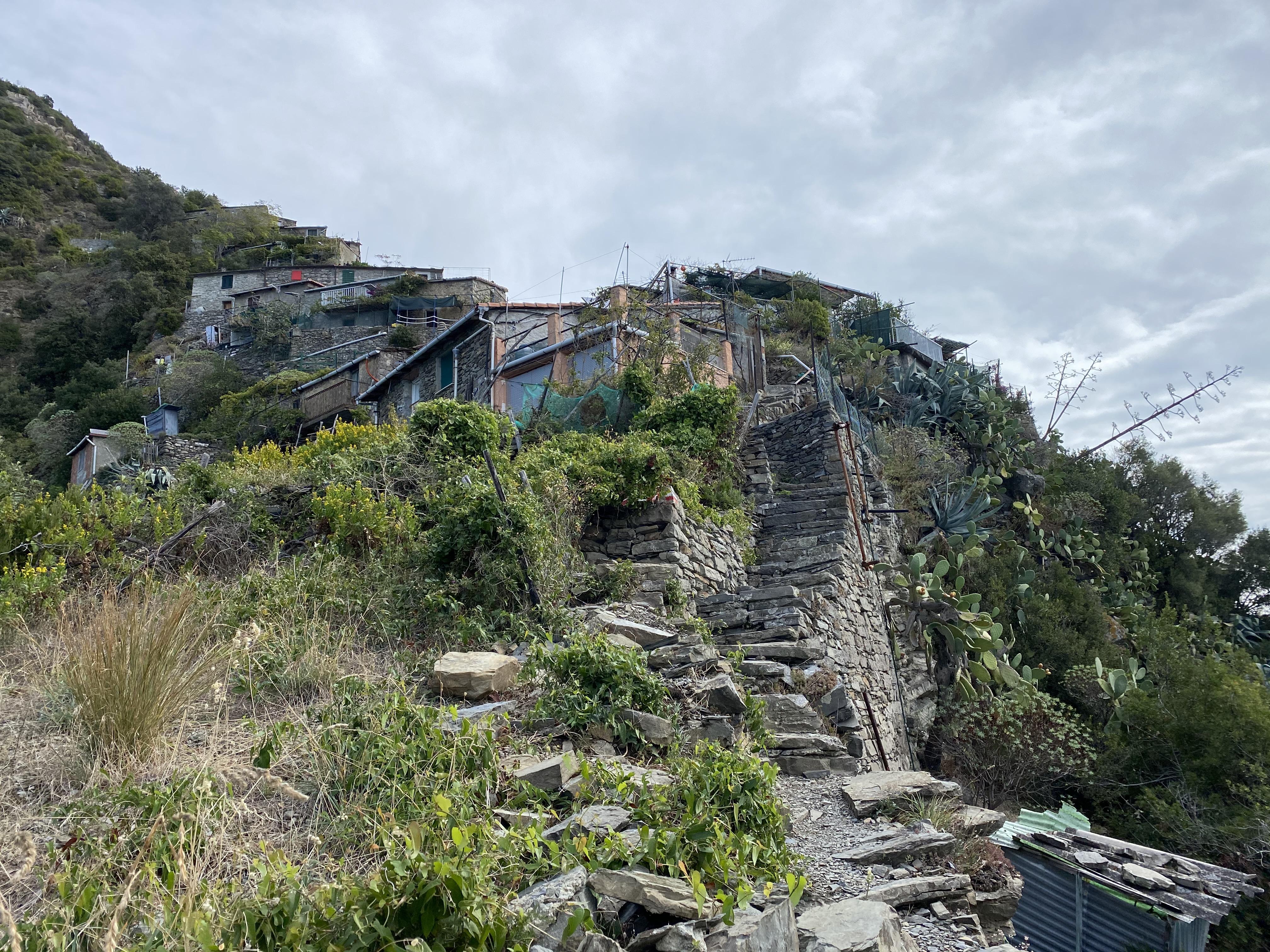 pueblo Monesteroli, Liguria